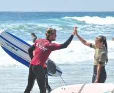 Surf dudes en California girls