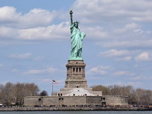 statue-of-liberty-new-york-tieners