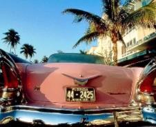 Cadillacs aan cocktailboulevard