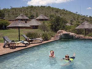 zwembad tijdens je Zuid-Afrika familiereis