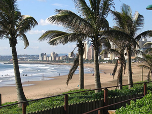Het strand van Durban tijdens je fly drive Zuid-Afrika