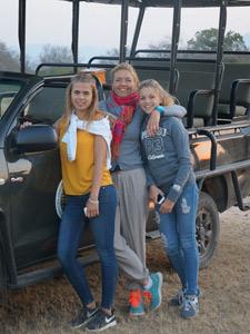 Je tieners mee in de jeep tijdens je fly drive Zuid-Afrika