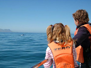 Walvissen spotten in Zuid-Afrika met kids