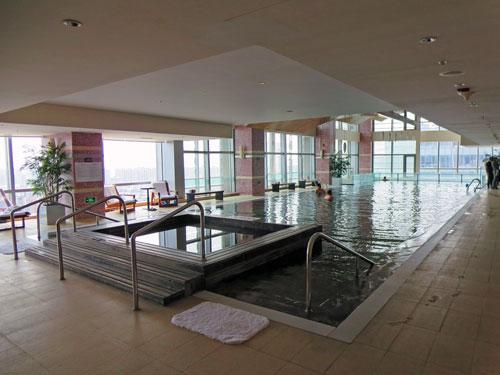 Erfrischen Sie sich nach einer erlebnisreichen Stadtbesichtigung im Pool
