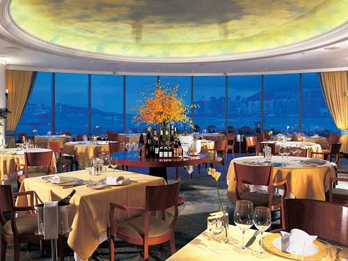 Hong Kong Reise: Das Restaurant bietet mit chinesischer und westlicher Küche viel Auswahl