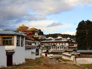 Häuser und Klöster in Langmusi
