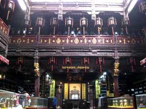 Der Eingang der ältesten traditionellen Apotheke Hangzhous