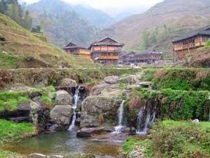 kleiner Wasserfall in den Reisterrassen