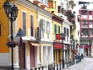 Hong Kong Reise: Portugiesische Häuserfronten in Macau