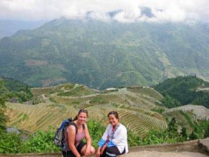Einheimische vor Reisterrassen