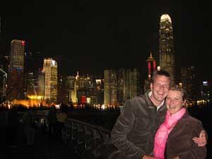 Hong Kong Reise: Die Skyline von Hong Kong bei Nacht
