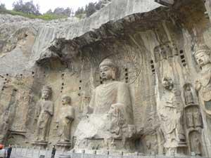 Skulpturen in den Grotten
