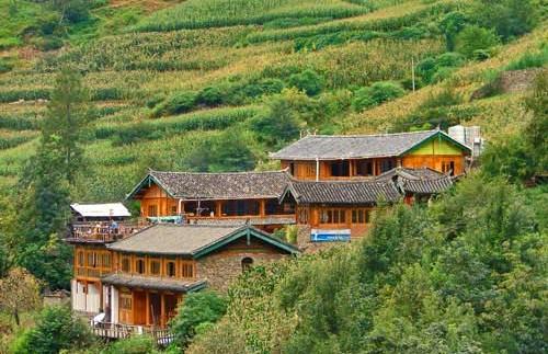 Blick auf Ihr Hotel in den Bergen