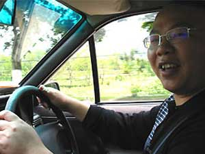 Reiseberichte China: einer unserer vielen zuverlässigen Fahrer