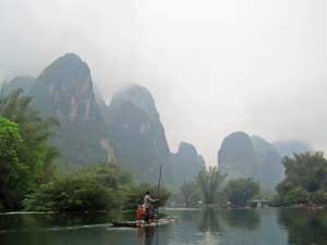 Idyllisches Yunnan und malerische Karstberge bei Yangshuo