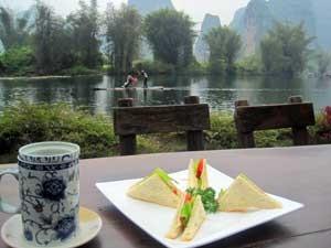 Yangshuo Flussufer