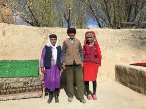 Einheimische entlang des Karakorum Highways