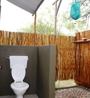 Bushcamp badkamer