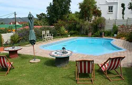 Zwembad bij je guesthouse - Zuid-Afrika