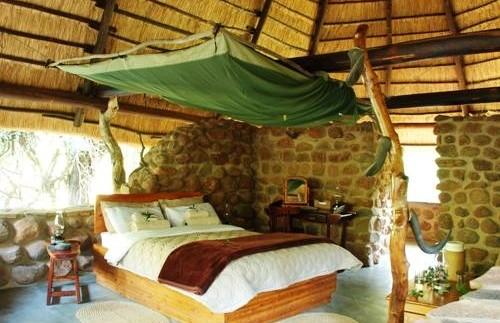 Je half open slaapkamer - Swaziland