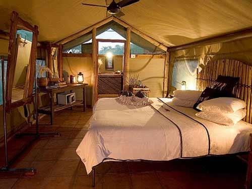 Tent bij de safari lodge