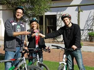 fietsen wijn proost zuid afrika