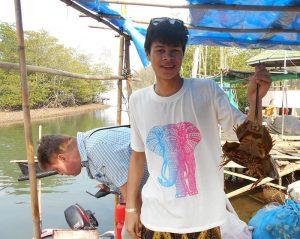 Hier sehen Sie unseren Reisespezialisten Noel beim Fischen