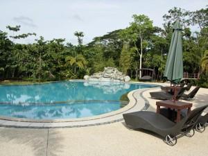 Wünschen Sie eine kleine Abkühlung im Pool auf Bohol?