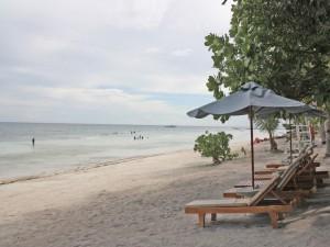 Hotelstrand am Komforthotel auf Bohol