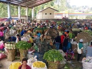 Frisches Obst und Gemüse auf dem Markt in Cebu-Stadt.