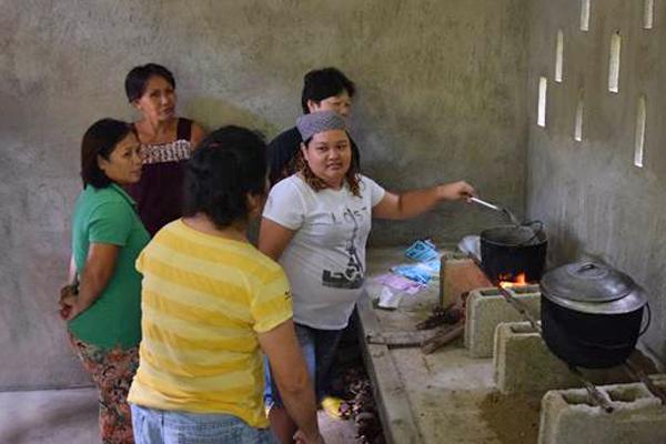 Philippinen valencia homestay Training Kochen