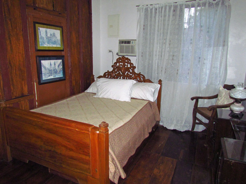 Zimmer im Hotel in Taal Heritage Town