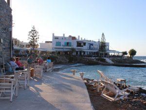 Strandpromenade in Mochlos