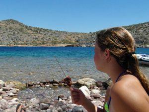 Schwimmen und grillen in Griechenland
