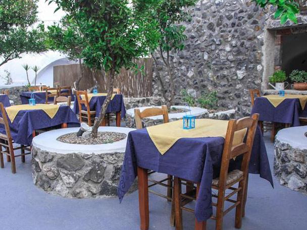 Griechenland Santorini Reise Unterkunft Restaurant