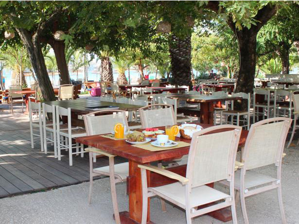 Restaurant in Gialova