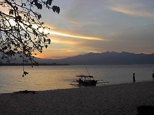 Sonnenuntergang am Strand von Sanur -Zwei Wochen Bali
