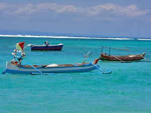 Fischerboote bei Gili Meno