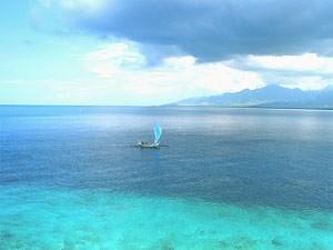 Boot auf dem Meer vor der Insel Menjangan - Highlights von Java und Bali