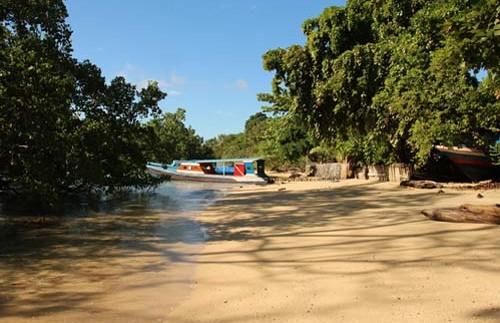 Wenige Meter bis zum Strand auf Bunaken.