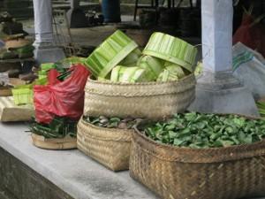 Körbe voller Gewürze auf Bali