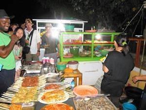Nachtmarkt auf Gili T - Sulawesi und Bali