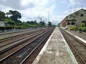 Bahnhof in der Nähe von Kalibaru auf Java
