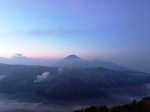 Sonnenaufgang am Bromo Vulkan.