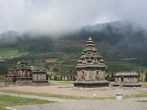 Tempelkomplex auf dem Dieng-Plateau.