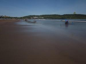 Langer Strand von Pangandaran.