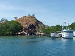 Kleiner Hafen auf Komodo.