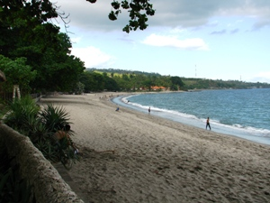 Langer Strand von Senggigi.