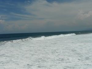 Tosende Wellen auf Lombok.