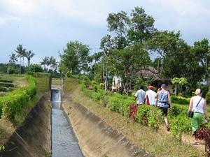 Besuch des Narmada Wasserpalastes in Mataram